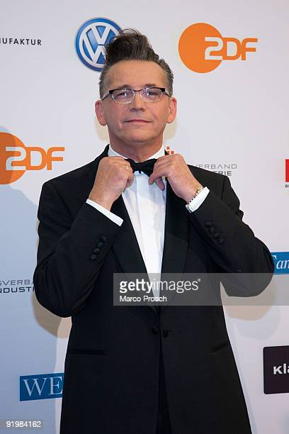 German singer and presenter Goetz Alsmann poses at the Klassik Echo awards 2009 on October 18, 2009 at the Semper Opera in Dresden, Germany.