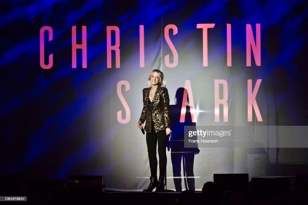 Beatrice Egli Performs In Berlin : Fotografía de noticias