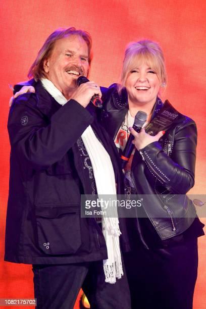 German singer Frank Zander and Irish singer and award winner Maite Kelly during the Smago Award 2018 on January 13, 2019 in Berlin, Germany.