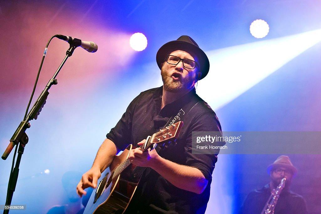 Gregor Meyle Performs In Berlin : Nachrichtenfoto