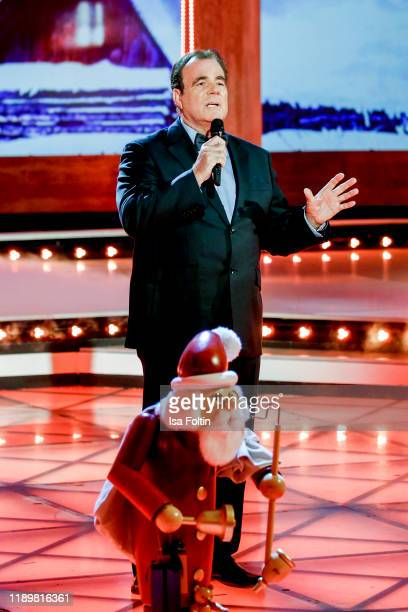 German singer Hein Simons performs at Die groe Show der Weihnachtslieder at on November 22 2019 in Suhl Germany