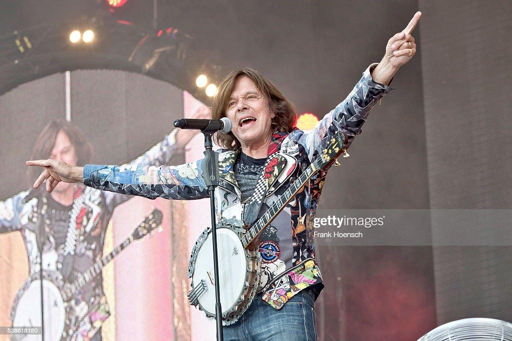 German singer Juergen Drews performs live during the Schlagernacht des Jahres at the Waldbuehne on June 4, 2016 in Berlin, Germany.