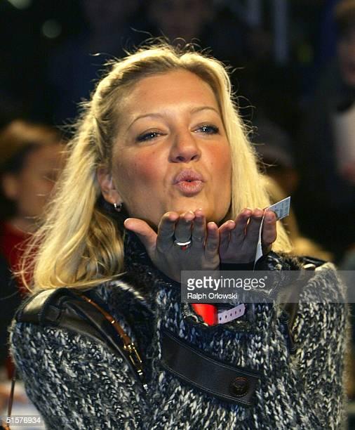 German singer Juliette Schoppmann arrives at the German premiere to 7 ZwergeMaenner allein im Wald at the Cinedom on October 26 2004 in Cologne...