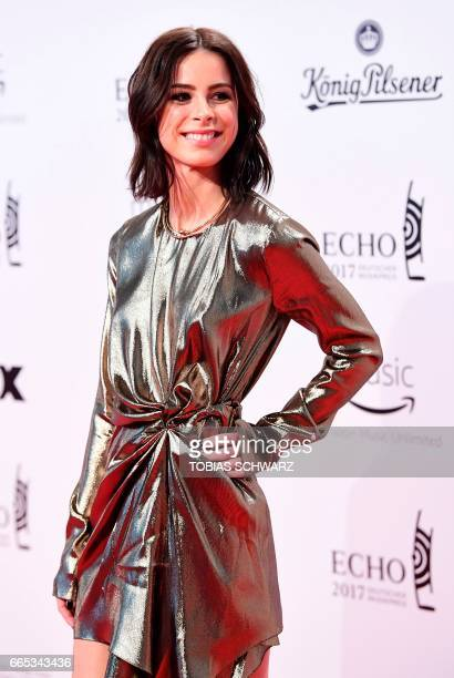 German singer Lena MeyerLandrut arrives for the 2017 Echo Music Awards in Berlin on April 6 2017 / AFP PHOTO / Tobias SCHWARZ