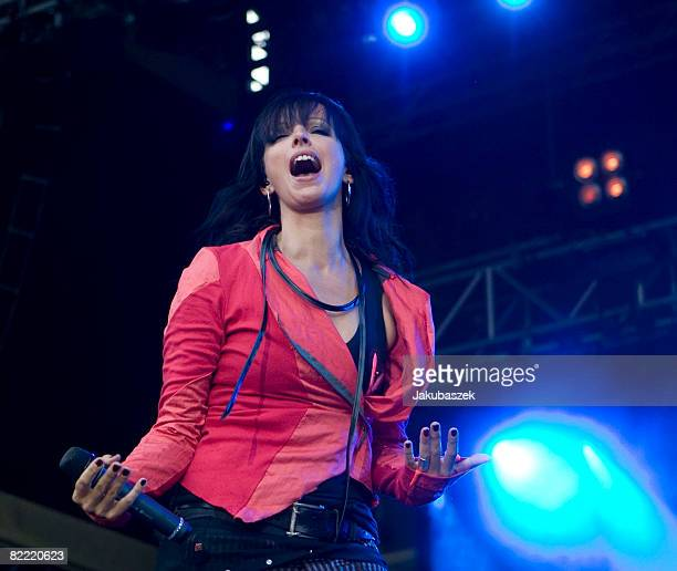 German singer Nena performs live during a concert at the Zitadelle Spandau on August 8 2008 in Berlin Germany The concert is part of the Nena 2008...