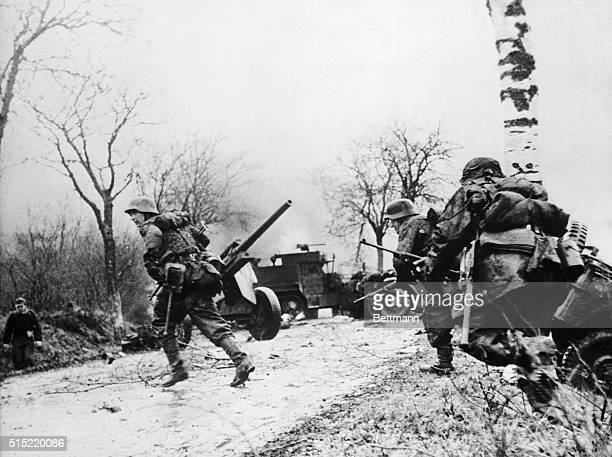 German soldiers advance in the BelgiumLuxembourg sector during the Battle of the Bulge