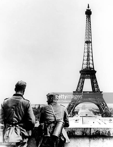 German soldiers at the Eiffel Tower Paris June 1940 The first German troops entered the city on 14 June