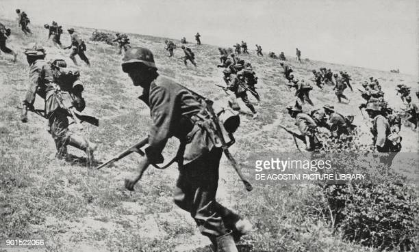 German soldiers battling in the Stalingrad region Russia World War II from L'Illustrazione Italiana Year LXIX No 36 September 6 1942