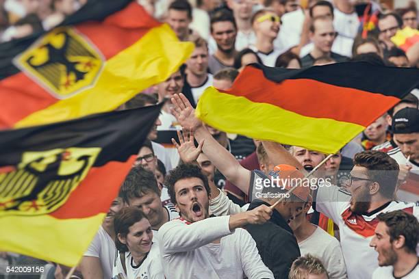Deutscher Fan Jubeln rufen für Fußball-EM