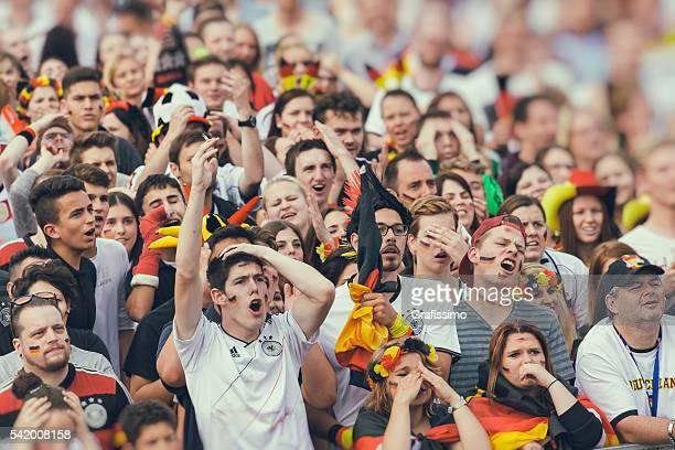 Deutscher Fan Jubeln rufen für Fussballteam