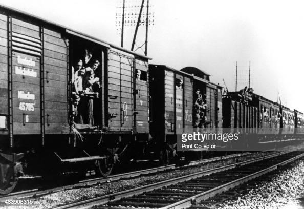german troops arriving by train  paris  august 1940  news