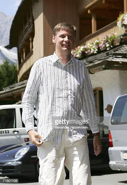 German TV presenter Guenther Jauch arrives at the Wedding party of Heidi and Franz Beckenbauer at the Hotel Stanglwirt on July 22 2006 in Going near...