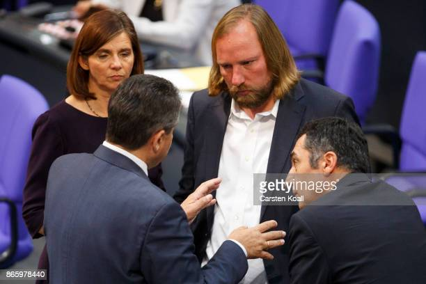 German Vice Chancellor and Foreign Minister Siegmar Gabriel talks to coleaders of the German Greens Party Katrin GoeringEckardt and Cem Ozdemir and...