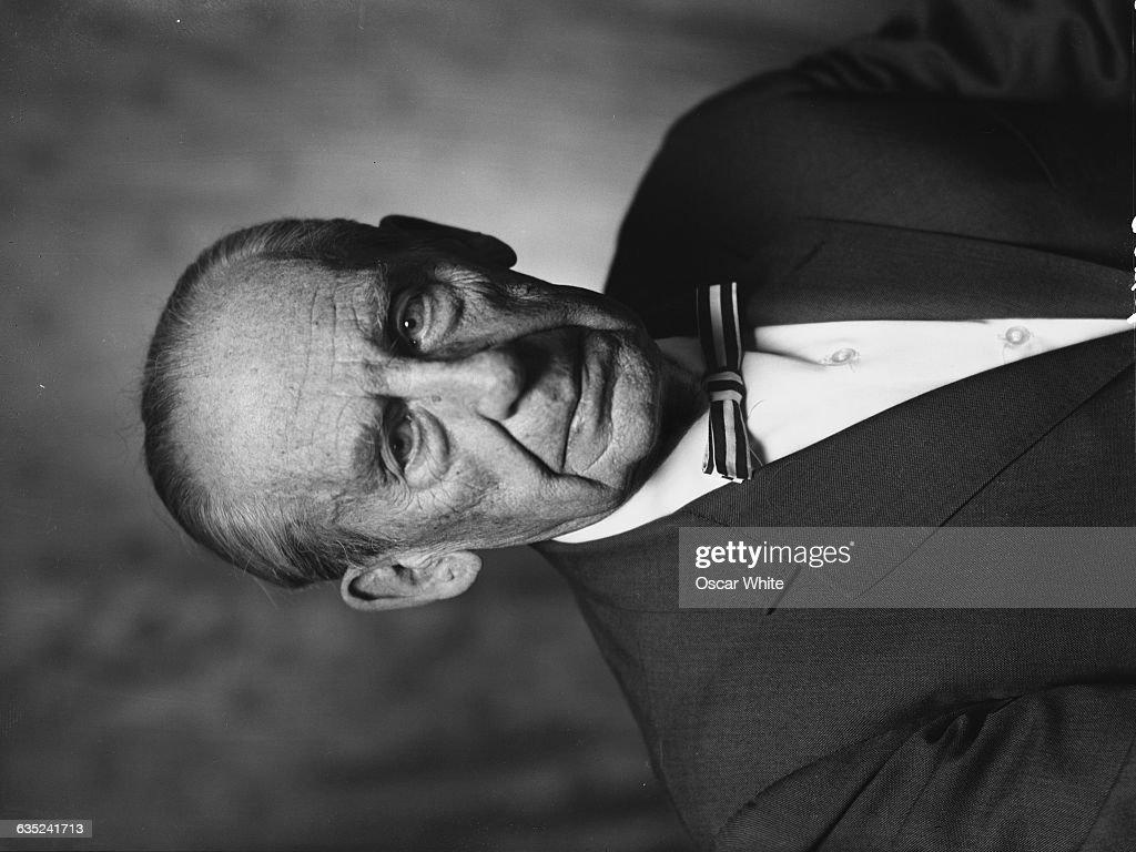German American Architect Walter Gropius Founded The Bauhaus School