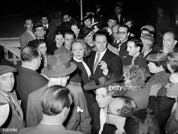 Germanborn American actress Marlene Dietrich is surrounded by fans 14 July 1939 during the Bastille Day ball at Paris Opera Square Marlene Dietrich...