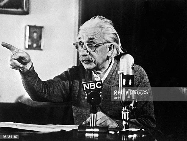 Germanborn SwissUS physicist Albert Einstein author of the theory of relativity declares his opposition to the 'H' bomb and to the arms race between...