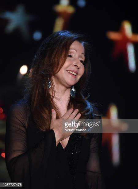 GermanGreek singer Vicky Leandros performs during the taping of the show 'Weihnachten bei uns' of German TV channel MDR in Chemnitz Germany 17...