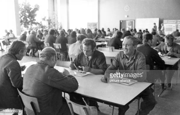 VEB Germania in KarlMarxStadt in September 1975 Plant construction Cantine | usage worldwide
