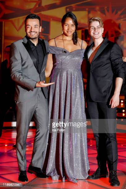GermanItalien singer Giovanni Zarrella USGerman singer Cassandra Steen and swiss singer Vincent Gross at Die groe Show der Weihnachtslieder at on...