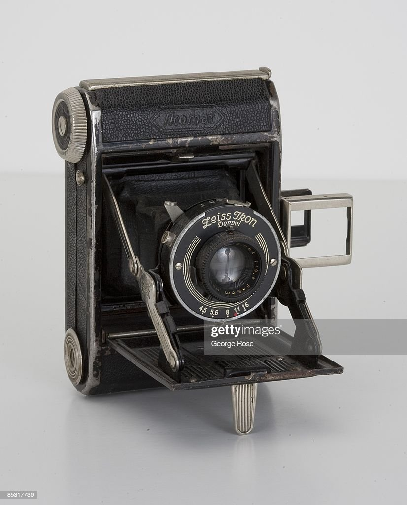 A German-made Zeiss Ikon Ikomat Derval folding miniature