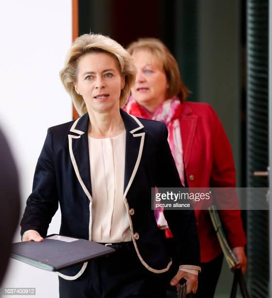 GermanMinister of Justice Sabine LeutheusserSchnarrenberger and Minister of Labour and SocialAffairs Ursula von der Leyen attend a cabinet meeting...