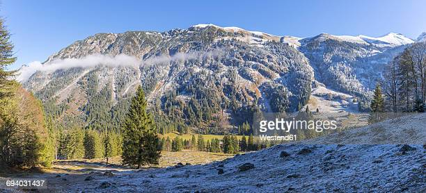 Germany, Allgaeu, view to Stillach Valley with Himmelschrofenzug in the background