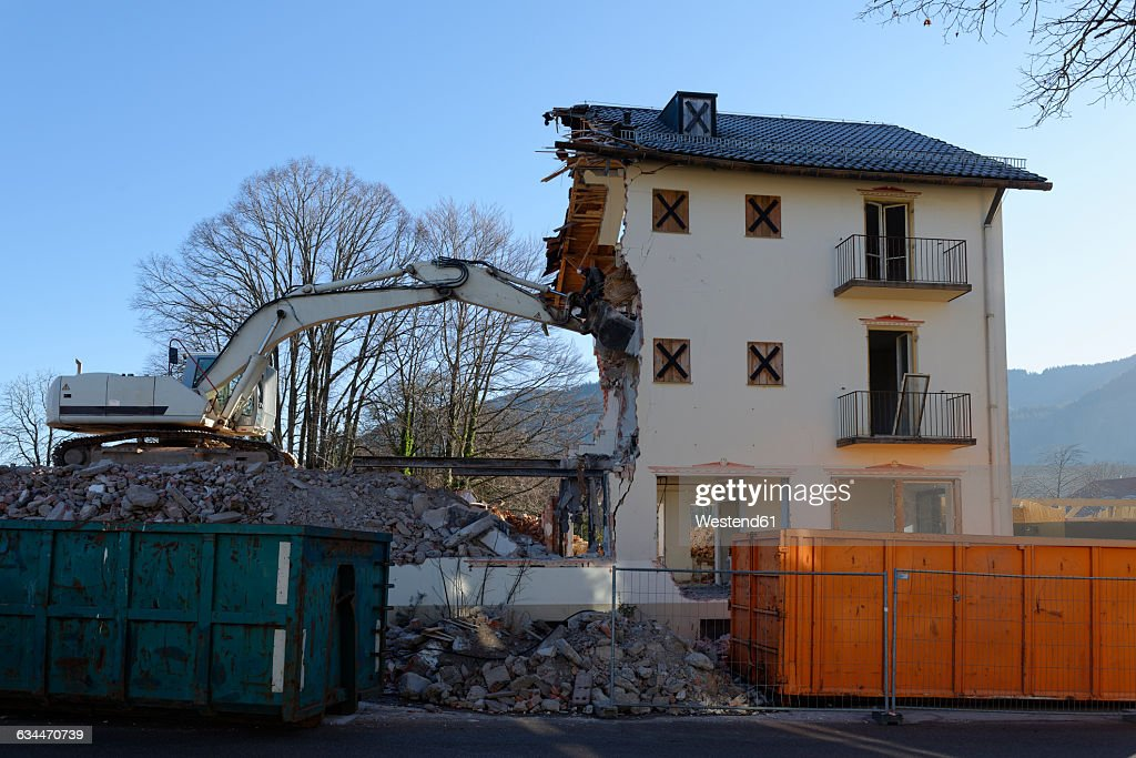Germany, Bad Heilbrunn, demolishing of a house : Stock Photo