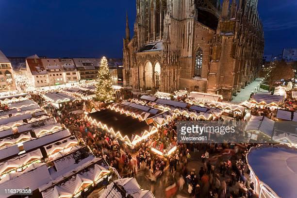 Germany, Baden-Wrttemberg, Ulm, Mnsterplatz, View of christmas market at night