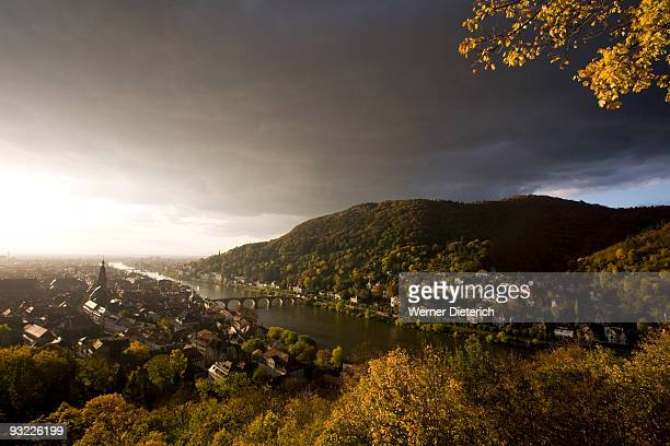 germany, baden-württemberg, view over town with necker river and thunderclouds - baden württemberg foto e immagini stock