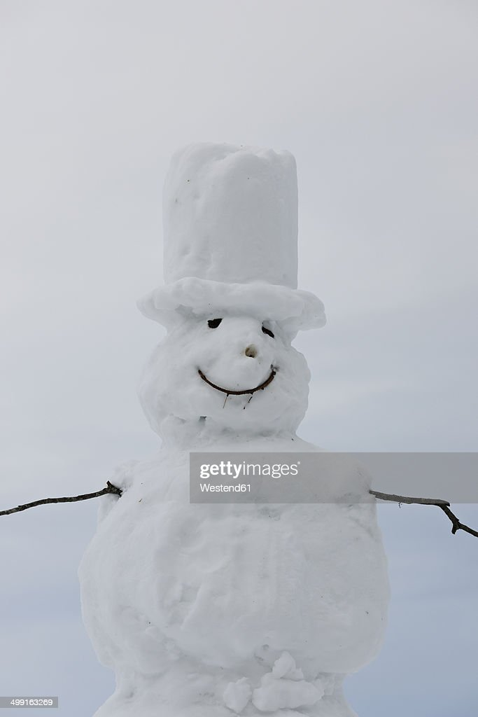 Germany, Baden-Wuerttemberg, Black Forest, view to snowman, close-up : Stock-Foto