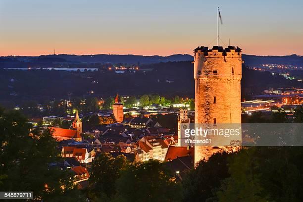 germany, baden-wuerttemberg, ravensburg, town tower mehlsack and blaserturm at night - ravensburg stock-fotos und bilder