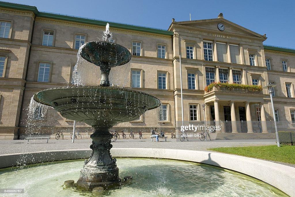 Germany - Baden-Wuerttemberg - Tuebingen: Fountain in front of the university : News Photo