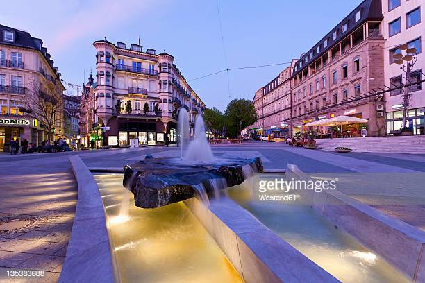 Germany, Baden-Wurttemberg, Baden-Baden, Black Forest, Leopoldsplatz, View of fountain near palace at city