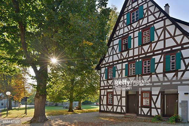 Germany, Baden-Wurttemberg, Blaubeuren, Half timbered house in courtyard