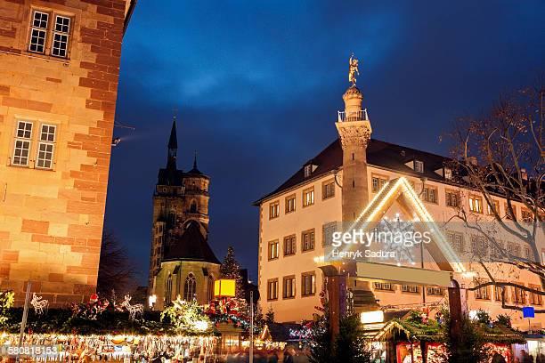 germany, baden-wurttemberg, stuttgart, christmas market at night - estugarda imagens e fotografias de stock