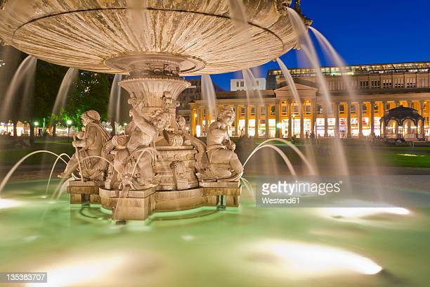 germany, baden-wurttemberg, stuttgart, view of fountain in front of konigsbau building at schlossplatz - castle square stock pictures, royalty-free photos & images