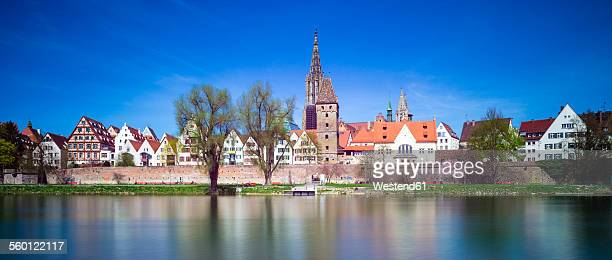 Germany, Baden-Wurttemberg, Ulm with minster and Metzgerturm at Danube river