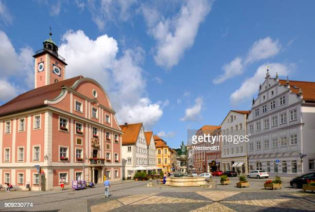 Germany, Bavaria, Altmuehl Valley, Eichstaett, market square with town hall and fountain