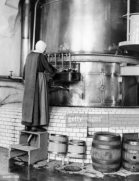 Germany Bavaria Free State : beer brewery in the monastery Ursberg - 1929- Photographer: Frankl- Published by: 'Berliner Illustrirte Zeitung'...