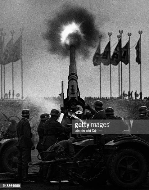Germany Bavaria Free State Nuremberg Rally 1938 Military exercises on 'Day of the Wehrmacht ' at the Zeppelinfeld Antiaircraft warfare Photographer...