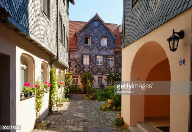 Germany, Bavaria, Fuerth, old town, yard in Koenigstrasse