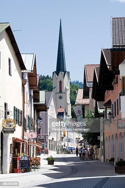 germany, bavaria, garmisch-partenkirchen, row of houses - garmisch partenkirchen stock pictures, royalty-free photos & images