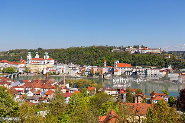 Germany, Bavaria, Lower Bavaria, Passau, View of St Stephans Cathedral and Veste Oberhaus, Innstadt and Inn river