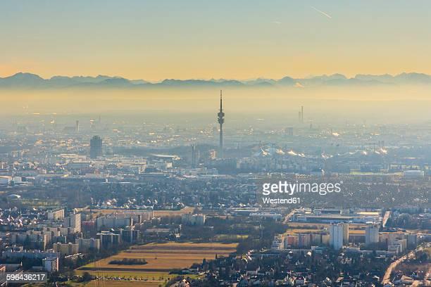 germany, bavaria, munich, cityscape with alps in background - parc olympique lieu photos et images de collection