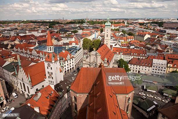 germany, bavaria, munich, cityscape with heilig-geist-kirche and old town hall - kirche - fotografias e filmes do acervo