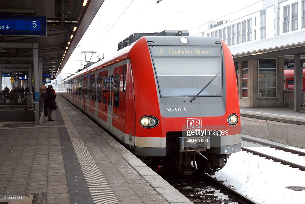 Germany Bavaria Munich - S-Bahn line S8 (airport train) to Munich Airport on the platform in Munich Ostbahnhof. : News Photo