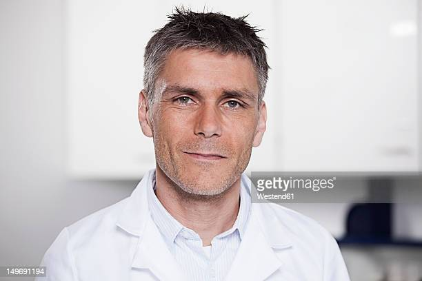 germany, bavaria, munich, scientist in laboratory, portrait - hair stubble stock pictures, royalty-free photos & images
