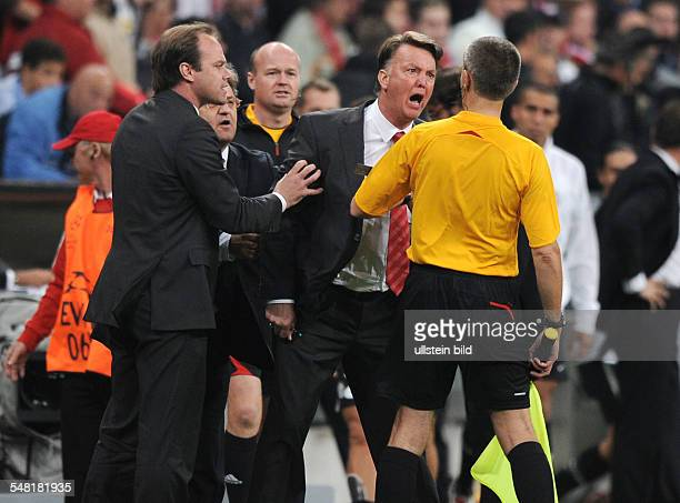 Germany Bavaria Munich UEFA Champions League season 20092010 Group A 1st leg FC Bayern Muenchen v Juventus 00 Bayern coach Louis van Gaal screaming...