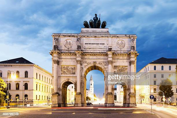 germany, bavaria, munich, victory gate - münchen stock-fotos und bilder