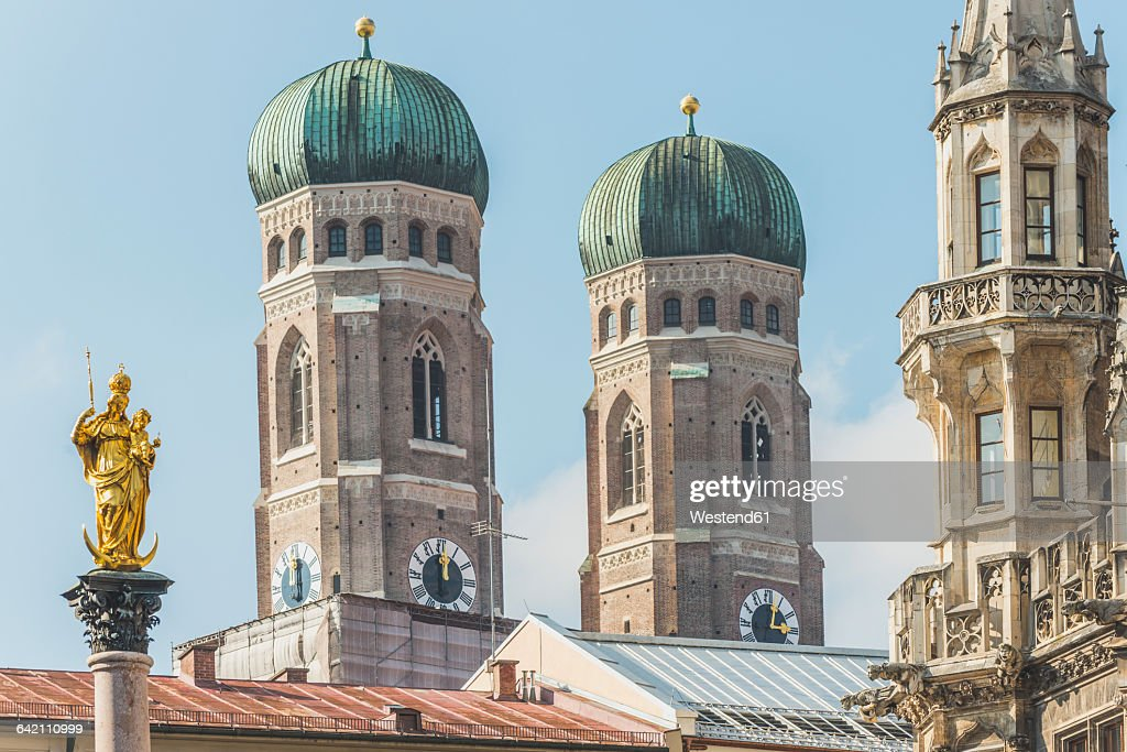 Germany, Bavaria, Munich, View of Mary's Square, Marian column and Frauenkirche and new town hall : Stock Photo